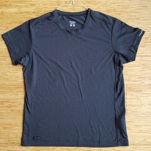 Columbia Titanium Large work out/outdoor tee